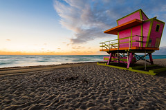 Sunrise in Miami Beach (mteckes) Tags: nikon d800e 1635f4 miami miamibeach midbeach edenroc sunrise beach lifeguardtower sand ocean longexposure