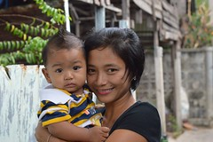 mother and son (the foreign photographer - ฝรั่งถ่) Tags: pretty mother son khlong thanon portraits bangkhen bangkok thailand nikon d3200