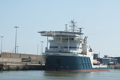 Constructor #2 (Moldovia) Tags: uk greatbritain england river harbor boat europe ship belgium unitedkingdom harbour offshore norfolk eu vessel quay be gb pointandshoot greatyarmouth europeanunion pointshoot eastanglia 2010 riveryare constructor supplyship fujifilmfinepixhs20exr callsignorqc imo9524932 mmsi205599000