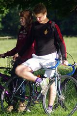Spectators with Biycyles (MalB) Tags: cambridge bike cyclist pentax m1 cam k5 lents lentbumps bicyclyce