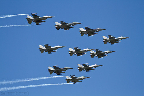 F-16 Fighting Falcon formation