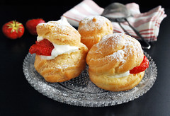 cream puffs (Arx0nt.) Tags: dessert strawberry sweet cream puff tasty plate sugar delicious snack meal pastry dairy choux