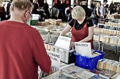 READING (Steve Mepsted) Tags: street london tatemodern southbank