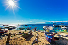 Beautiful beaches (Dragonfly's Photos) Tags: blue sun indonesia boats beaches lombok giliislands mountrinjani