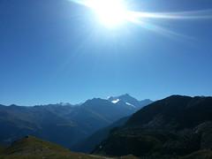 Grand beau (A travers) Tags: sun mountains alps alpes schweiz switzerland soleil suisse bergen alpen svizzera wallis montagnes valis grandbeau flickrandroidapp:filter=none