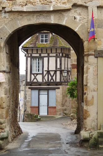 Le portail de Saint-Benoit du Sault - Portal
