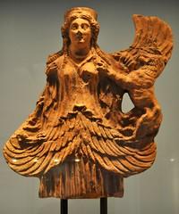 Copenhague. NY Carlsberg Glyptotek. Arte  etrusco. Diosa alada. Cerámica. Hacia 200-100 aC (santi abella) Tags: dinamarca copenhague nycarlsbergglyptotek arteetrusco