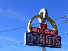 Lima, OH Mello-creme Donuts (army.arch) Tags: ohio sign shop neon lima donut doughnut oh mellocreme