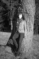 Silvia (Mariano Tais) Tags: bw girl canon eos portait bn f2 135 ritratto ragazza 135l canon135l 5dii canon5di