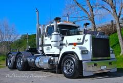 R722 E9 500hp Mack Superliner (Paul Vandenberg) Tags: truck mack superliner menefy