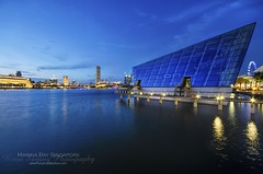 Marina Bay Singapore (Rasa Sayang C10) Tags: blue sunset sea marina bay hour