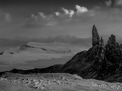 Scottish Landscape -Old Man of Storr- (Isle of Skye, Scotland. Gustavo Thomas © 2017) (Gustavo Thomas) Tags: scottish scotland skye isle landscape view heights travel uk monochrome mono paisaje paysage trip viaje voayage blackandwhite loch lakes blancoynegro biancoenero blancheetnoir mountains montagnes montaña bnw