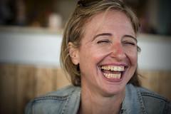 Belly laugh / Carcajada (- Cajón de sastre -) Tags: sonrisa carcajada bellylaugh retrato portrait portraitphotography women mujer holidays vacaciones nikond500 nikkorafs50mmf14g