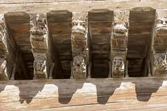 Mirepoix. La maison des Consuls, fut le siège en 1500 des magistrats municipaux. C'est la plus grande et la plus imposante de la place. Et, elle est la seule à présenter un décor sculpté en bout de chaque poutre, (ChristianLeduc) Tags: 09 2017 ariége bastide france hiver midipyrénées mirepoix occitanie