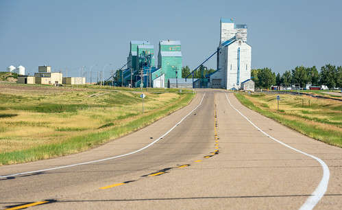 Elevators of Warner, Alberta