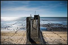 Carrelet (pix2loz) Tags: cabane pecheur sea ocean couleurs contraste horizon