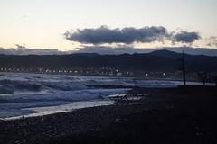 Sunset (*Tom68*) Tags: meer ozean sunset sonnenuntergang wolken clouds spanien spain strand beach hügel hills wasser water