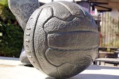 A LADISLAU KUBALA STECZ (2009), de MONTSERRAT GARCIA RIUS (Yeagov C) Tags: 2017 barcelona catalunya futbolclubbarcelona kubala ladislaukubalasteck ladislaukubala montserratgarciarius 2009