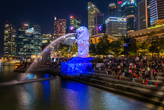 iLight Marina Bay 2017 (BP Chua) Tags: ilight ilightmarinabay merlion bluehour singapore landscape city cityscape status marinabay marinabaysingapore water nikon d800e wideangle blue installation asia event peopl buildings cbd commercial fullerton