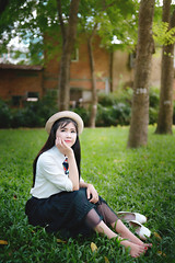 Thiên Hà (Sài gòn-01665 374 974) Tags: green snor sony sigma photography photographer flickr digital new featured light art life colorful colour colours photoshop blend asia camera sweet lens artist amazing bokeh dof depthoffield blur 35mm portrait beauty pretty people woman girl lady person smile lovely hat dress grass park garden corner