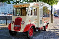 Commer Cream (Jungle Jack Movements) Tags: commer ice cream liverpool england uk gb great britain united kingdom albert dock vendor customer soft serve coffee dwm 698 dairy 1938 british mersey river van seller real cone sundae