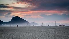 COPACABANA (Thomas SBN) Tags: canon 6d 50mm f18 plage beach couleur color lever soleil rio de janeiro copacabana night day contrejour landescape paysage