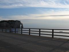 2006-07-08-0011.jpg (Fotorob) Tags: hek kust seinemaritime hautenormandie water erfscheiding kustplaats frankrijk voorwerpenoppleinened france étretat