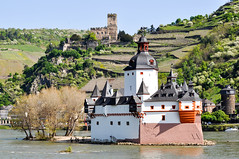 201305_Rhine Moselle_136.jpg (Johnchess) Tags: cruise germany rhine bellevue kaub rhinelandpalatinate pfalzgrafensteincastle may2013