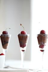 Avocado & chocolate mousse (Daniela Pittiglio @ blu Indigo) Tags: cherry avocado chocolate cocoa paleo cherrycompote