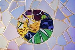 Trencads (Lanpernas 2.0) Tags: barcelona art arte puzzle gaud diseo modernismo cermica mediterrneo modernisme parcgell dessign trencads jujol 2013