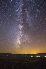 Milky Way and a Perseid meteor at Font's Point (slworking2) Tags: california unitedstates anzaborrego meteor milkyway anzaborregodesertstatepark perseid perseids