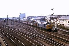 78 042 180378 Cambridge 37204 (The KDH archive) Tags: cambridge railway 1978 class37 37204