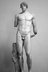 Apollo or athlete ? (just.Luc) Tags: male london statue nude londres athlete britishmuseum apollo londen disfigured