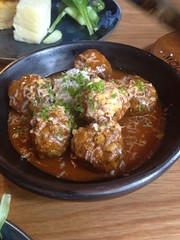 "Lamb albóndigas, chives, dehydrated cheese <a style=""margin-left:10px; font-size:0.8em;"" href=""http://www.flickr.com/photos/30579997@N08/12555433304/"" target=""_blank"">@flickr</a>"