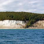 Die berühmten Kreidefelsen der Stubbenkammer im Nationalpark Jasmund auf der Insel Rügen (4) thumbnail
