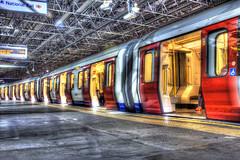 The train now leaving... (ArtGordon1) Tags: uk england london underground transport tube transportation publictransport farringdon londontransport tfl davegordon tubetrains davidgordon farringdonstation artgordon1 daveartgordon daveagordon davidagordon