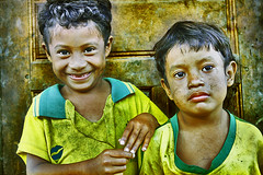 My Brazil...? (carf) Tags: poverty boy brazil nature boys brasil kids children hope kid community village child natural brothers culture traditions forsakenpeople esperança social underprivileged philosophy identity indians spiritual cultural indigenous tekoa aldeia indígena riobranco guarani itanhaém mbyá indigenousterritory arapyau nheemporã araymã landwithoutevil yvymarãeỹ amazôniapaulistana valedoriobranco