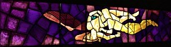 Eros and Psique (1949) - José de Almada Negreiros (1893-1970) (pedrosimoes7) Tags: josédealmadanegreiros caloustegulbenkianmuseum moderncollection lisbon portugal ricardoleonesworkshop museum museu musée portugueseassembleiadarepublicamuseum vitral stainedglass ✩ecoledesbeauxarts✩ artgalleryandmuseums