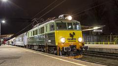 EP07-442 (kamil_olszowy) Tags: pkp intercity chp 303e elektryczna pasażerska lokomotywa tlk pobrzeże koszalin ep07442 żółte czoło