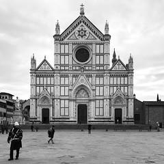 Piazza di Santa Croce, Florence (woody lauland) Tags: monochrome bw bnw blackandwhite santacroce church cathedral basilica architecture italian florentine italia italy firenze florence