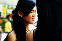 girlfriends II (j.p.yef) Tags: peterfey jpyef yef asia malaysia people women young kualalumpur streetlife talking