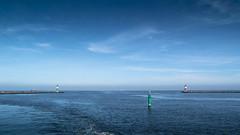 Warnemünde Bay (horge) Tags: balticsea warnemünde ocean blue lighthouse
