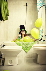 St. Patriks´s day (mls2012) Tags: bañera chica girl globos ballons pañuelo decoración san patricio saint patriks bathroom bath interior casa house canonphotography canon 60d decoracion hogar stpatriks