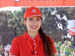 Sonrisa Vodafone (juantiagues) Tags: azafata vuelta ciclista publicidad sonrisa vodafone juantiagues juanmejuto