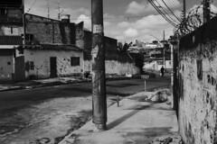 Guarulhos (Th. C. Photo) Tags: street streetphotography streetphoto streetphotographysp photography fotografia rua fotografi fotografiaderua pretoebranco blackandwhite pb bw gru guarulhos