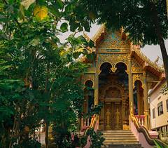 chiangmaitemples-13 (jesudeezy) Tags: chiangmai thailand travel traveling travelphotography seasia southeastasia natgeo natgeotravel lonelyplanet sonya7ii sony sonyimages sonyalpha sigma sigma35mmart 35mm temple temples