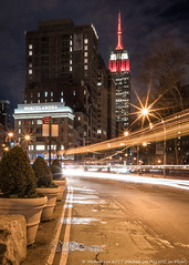 South Carolina Swoosh (20170401-DSC00325-Edit) (Michael.Lee.Pics.NYC) Tags: newyork esb empirestatebuilding broadway flatirondistrict night longexposure lighttrail traffictrail southcarolina ncaa finalfour basketball sony a6500 zeissloxia21mmf28
