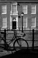 Bike and building @ Utrecht (PaulHoo) Tags: utrecht city urban architecture holland netherlands nikon d700 shadow light contrast bw blackandwhite monochrome 2017 window facade bike bicycle building