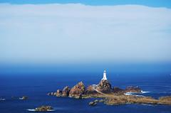 Nuances (Atreides59) Tags: nuages clouds ciel sky mer sea water eau bleu blue colors couleurs phare lighthouse