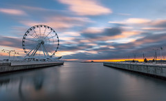 Early morning (emilqazi) Tags: baku azerbaijan sea seafront seaside seascape waterfront water caspian wheel city cityscape clouds long exposure wind morning sunrise dawn sun sunlight weather travel architecture urban